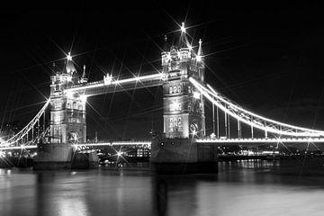 Tower Bridge in der Nacht von