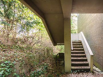 upstairs von Michael Schulz-Dostal