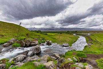 Merkjárfoss-Wasserfall in Island von Easycopters