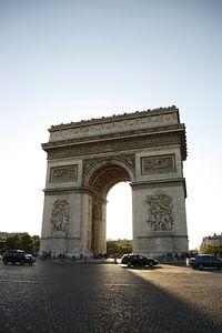 Arc de Triomphe in het avondlicht