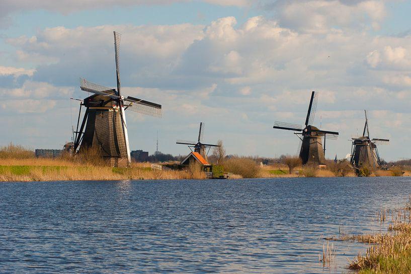Windmills in Netherlands sur Brian Morgan