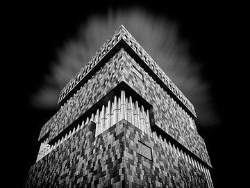Mas building of thousands of tiles. von Vincent Willems
