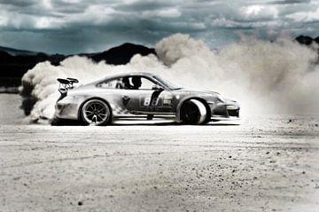 Porsche macht eine staubige Wolke sportscar