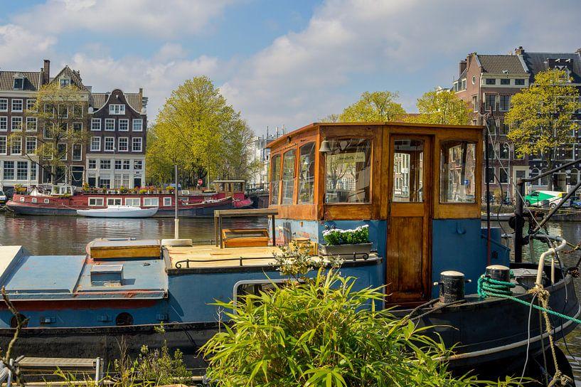 Woonboot Amstel Amsterdam van Foto Amsterdam/ Peter Bartelings