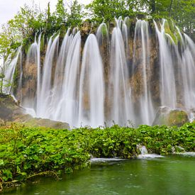 Parc naturel des lacs de plitvice en Croatie sur Jennifer Hendriks