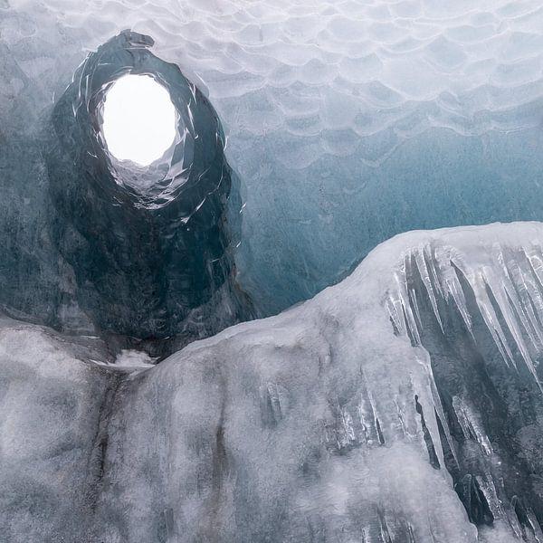 Naar de tunnel van licht van Karla Leeftink