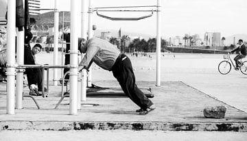 Fitness on the beach van Rik Engelgeer