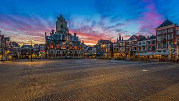 Delft bij zonsondergang ... von Marc de IJk