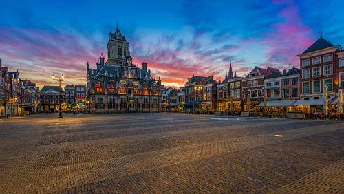 Delft bij zonsondergang ... von Marco van Dijk