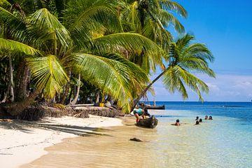Spelende kinderen op de San Blas eilanden van Michiel Dros
