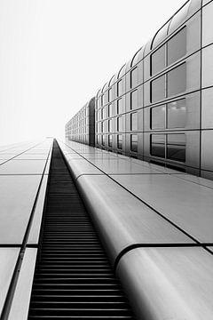 Lijn langs de hoogbouw van Christian Klös