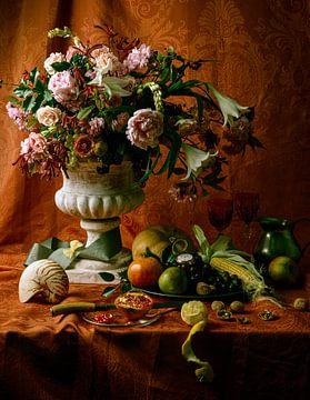 stilleven met bloemen en fruit van Ruurd Dankloff