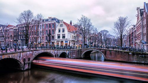Boot in de grachten van Amsterdam