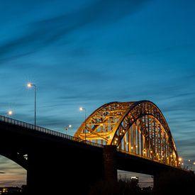 Brücke über den Waal. von Lex Schulte