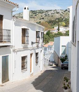 een typisch wit dorp in spanje