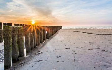 Sonnenuntergang am Strand von Peter van Rooij