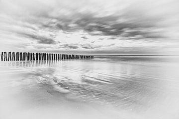 Franse kust in zwart wit (opaalkust) van Caroline van der Vecht