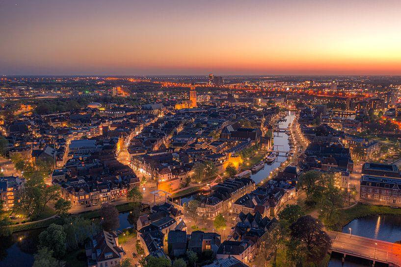 Zwolle centrum in de nacht van Thomas Bartelds