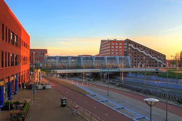 Zonsondergang station Leidschenveen, Den Haag van Jordi van der Meer