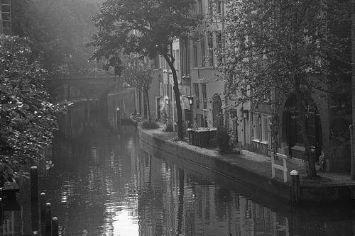 Opkomende zon  Oudegracht Utrecht