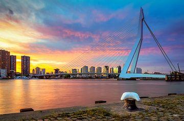 Erasmusbrug tijdens zonsondergang van Prachtig Rotterdam