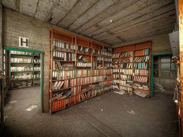 Archief van een verlaten fabriek van Jan Plukkel