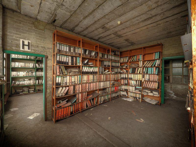 Archief van een verlaten fabriek von Jan Plukkel