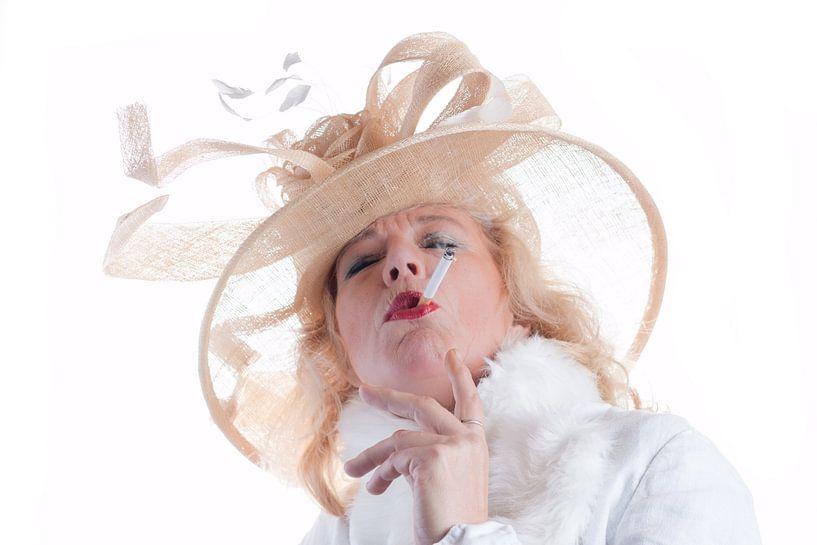 La femme qui fume van Alex Dallinga