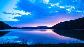 zonsondergang Lac du Chalain van Roland Smanski