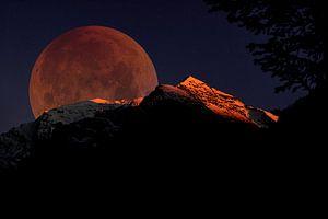 Rode Maan boven de Berg van Jordy Brada