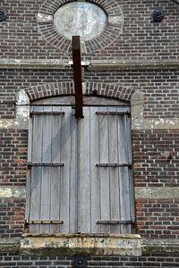 Deuren naar opslagruimte in Oud Pakhuis van FotoGraaG Hanneke