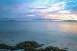 Pastelkleuren bij zonsondergang in Fiji van