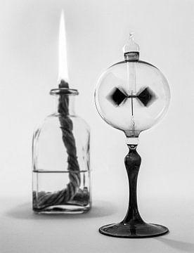 Image d'un radiomètre Crookes (moulin lumière) qui tourne sous l'influence d'une flamme sur Hans Post