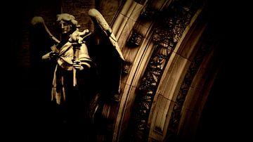 Engel en poort (Angel and Gate) van Roelof Broekman