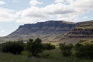 Les montagnes islandaises sur Ewan Mol