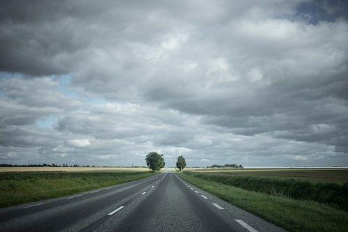 Dreigende wolken onderweg in Noord Frankrijk