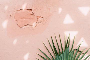 Roze muur in Marrakesh van Yaira Bernabela