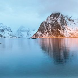 Hamnoy, un village de pêcheurs norvégien le matin sur jowan iven