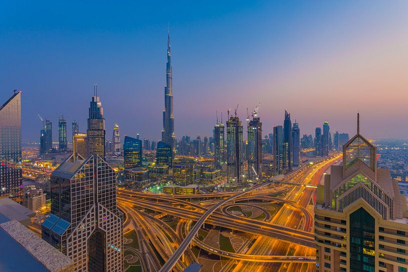 Dubai by Night - Burj Khalifa en Downtown Dubai - 1 van Tux Photography