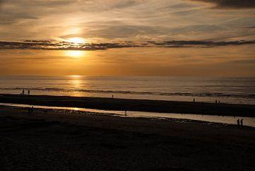 Sonnenuntergang Strand Koksijde von Manuel Declerck