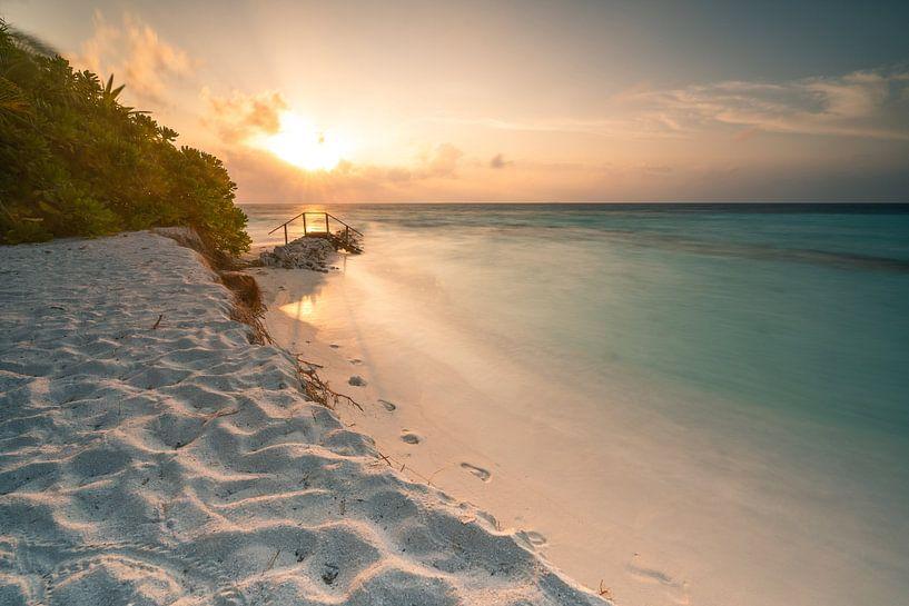 Sonnenaufgang am kleinem Steg von Christian Klös