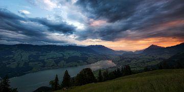 Sonnenaufgang in Obwalden van Severin Pomsel