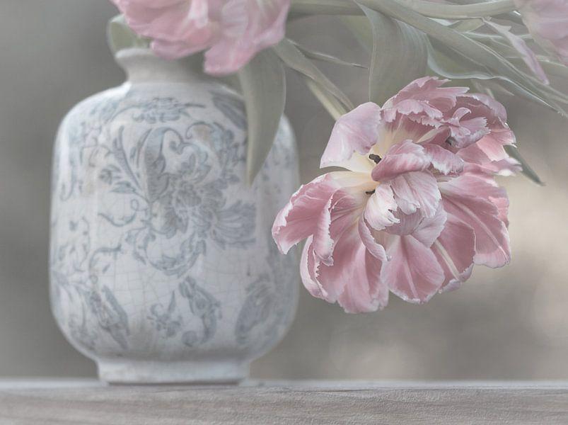 Soft Pink Tulips van Marina de Wit