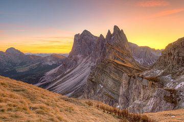 Sonnenaufgang auf der Seceda von Michael Valjak