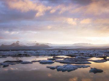 Jökulsárlón Sonnenuntergang von Roelof Nijholt