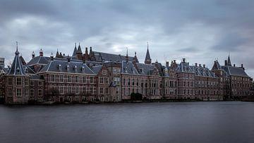 Het binnenhof in Den Haag op een donkere dag van OCEANVOLTA