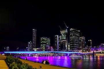 Farbenfrohe Lichter bei Nacht entlang des Brisbane River von Willemijn1712