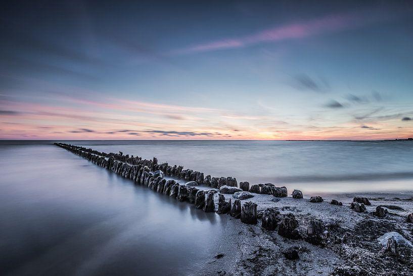 Sereen uitzicht op het IJsselmeer 1 van Bert Nijholt