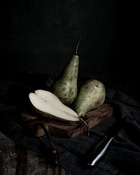 peren op snijplank | fine art stilleven fotografie in kleur | print muur kunst van Nicole Colijn