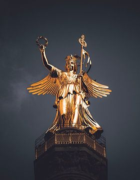 Berlin Victory Column sur Iman Azizi